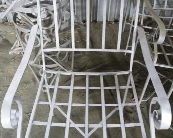 Καρέκλα μετά την αμμοβολή