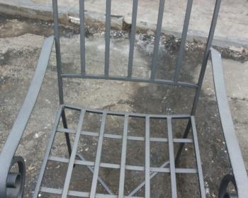 Μεταλλική καρέκλα πρίν την αμμοβολή